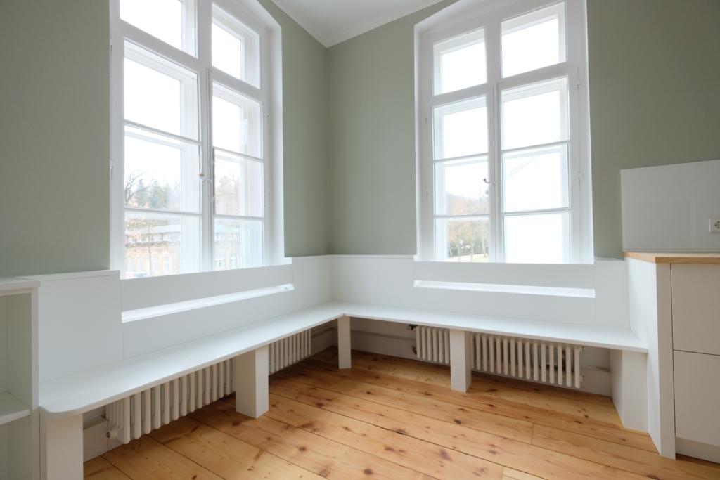 KÜCHE MIT SITZBANK - Glaescher Design & Innenausbau | Raumplanung ...